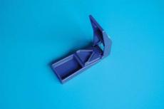 Tablettenteiler blau mit Reservoir Dahlhausen
