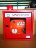 Wandschrank für AED, incl. akustischem und optischem Alarm ROT